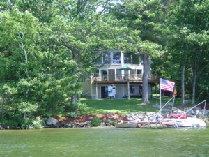 Here is a vacation home on the shores of Lake Winnipesaukee in Moultonborough, New Hampshire